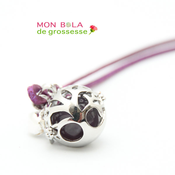 collier de grossesse avec pierre