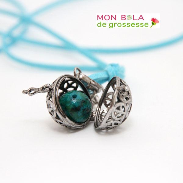 collier pour future maman- modèle aum